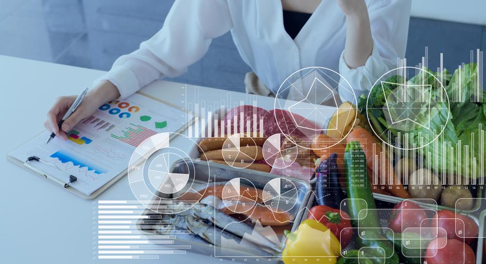 How do I become a nutritionist?